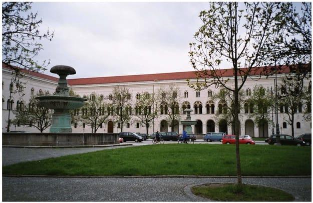 Ludwig-Maximilians-Universität München central campus